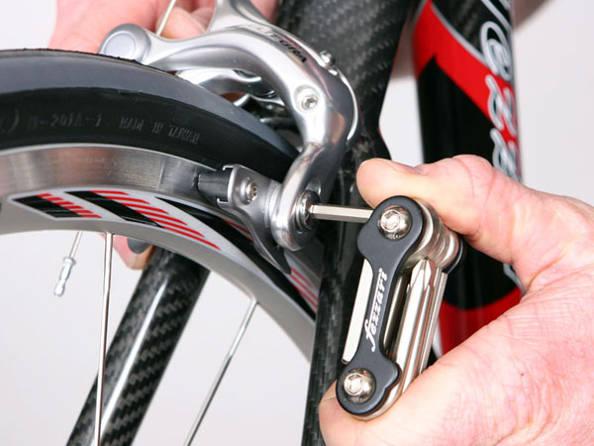 Comment changer les plaquettes de frein d'un VTT